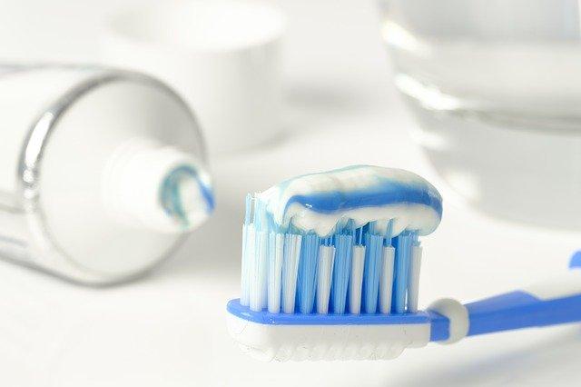 czyszczenie srebra pastą do zębów